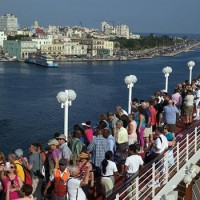 Crucero Adonnia llegando a Cuba