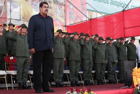 Maduro militariza producción