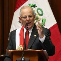 Pedro Pablo Kuczynski jura como presidente de Perú