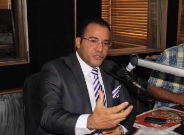 Salvador Holguin es periodista y reside en la ciudad de Santo Domingo, Republica Dominicana