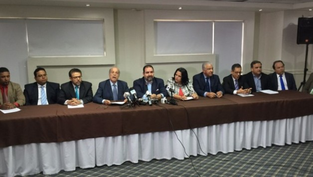 Partidos Oposición se retiran del dialogo