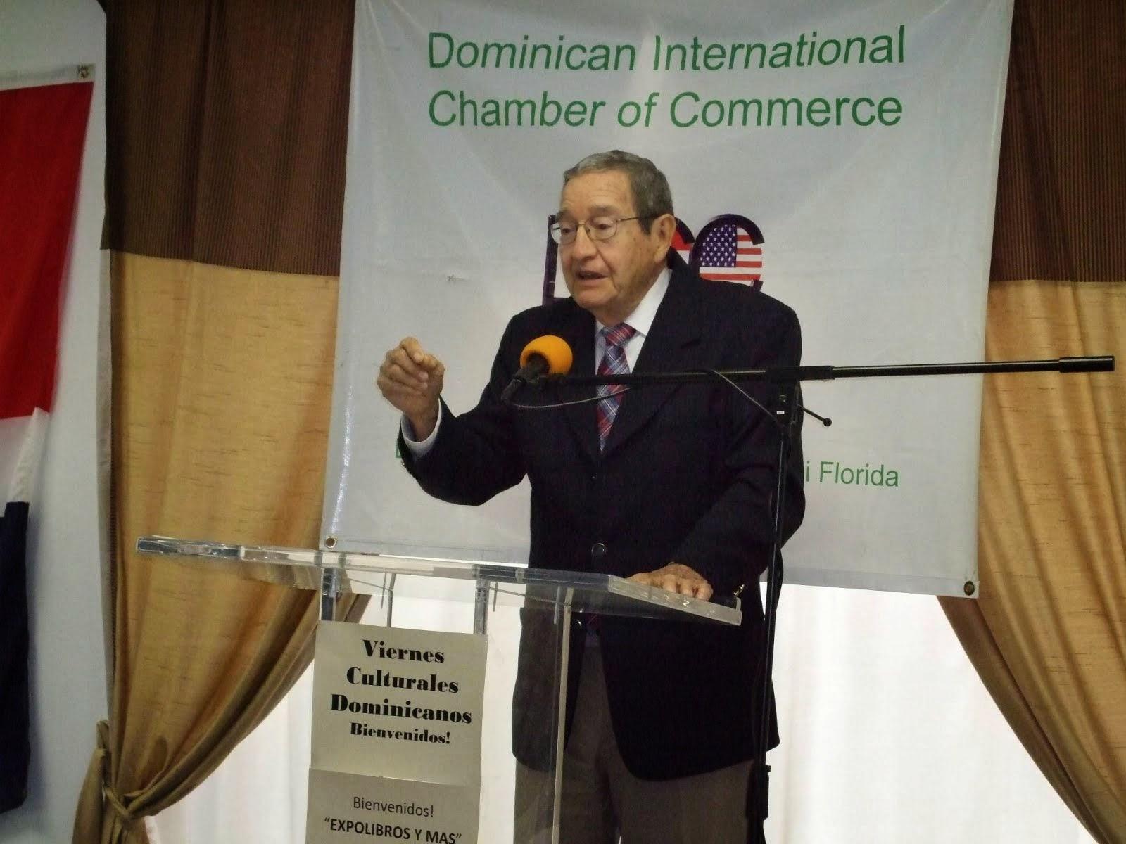Don Tiberio Castellanos es comunicador, escritor dominicano resiente en Miami