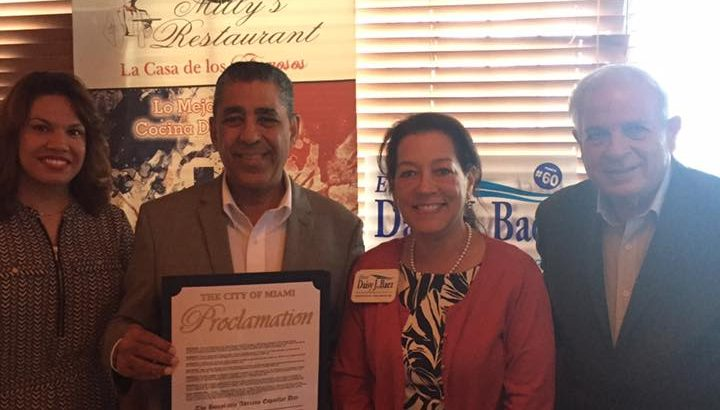 Senador Adriano Espallat hace campaña por Daisy Báez Joe Garcia y Hillary Clinton Miami