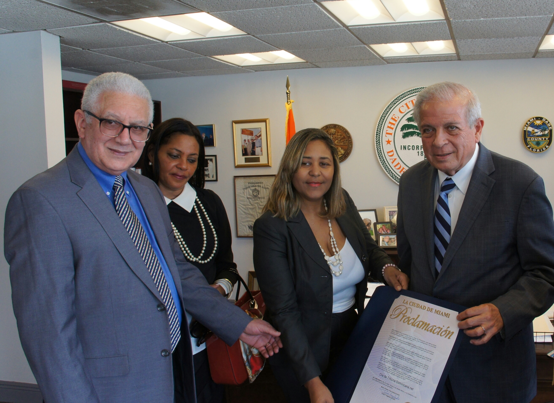 Alcalde de Miami Proclama 14  de octubre Día Tribuna Dominicana.Net