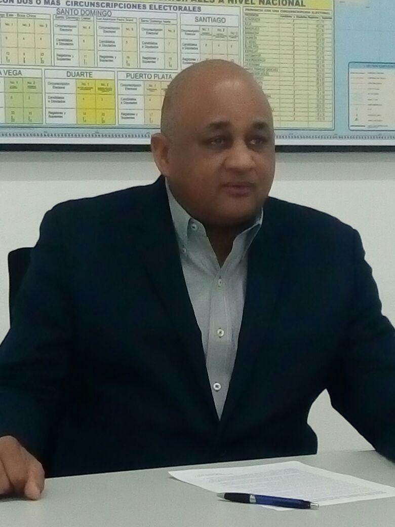 Dr. Roberto Fulcar, presidente en Funciones del PRM