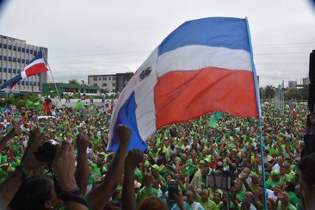 La Gran Marcha Verde Nacional contra la corrupción y la impunidad en la República Dominicana, convocada para este domingo 16 de julio, ha roto todas las expectativas de sus organizadores y del propio pueblo dominicano que apoyó de manera entusiasta y masiva el llamado. Foto: © Edgar Hernández Fecha:17/07/2017
